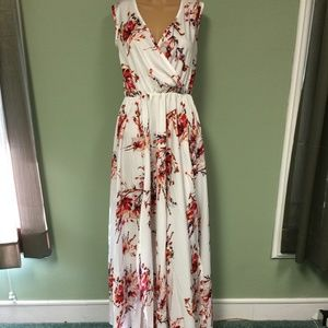 Dresses & Skirts - Long dress in size small